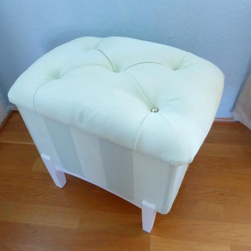 Tufted Pouf
