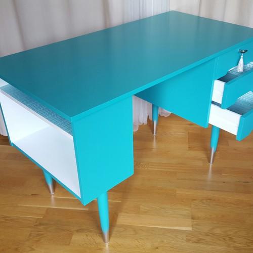 Turqoise Desk (1)