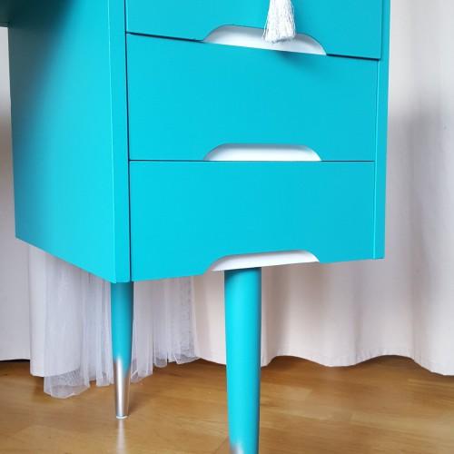 Turqoise Desk (2)